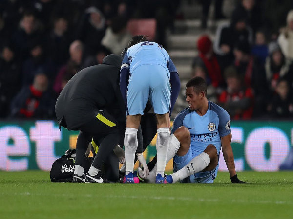 Gabriel Jesus (right) gets treated on the ground after his injury (Image courtesy: Manchester City Twitter handle)