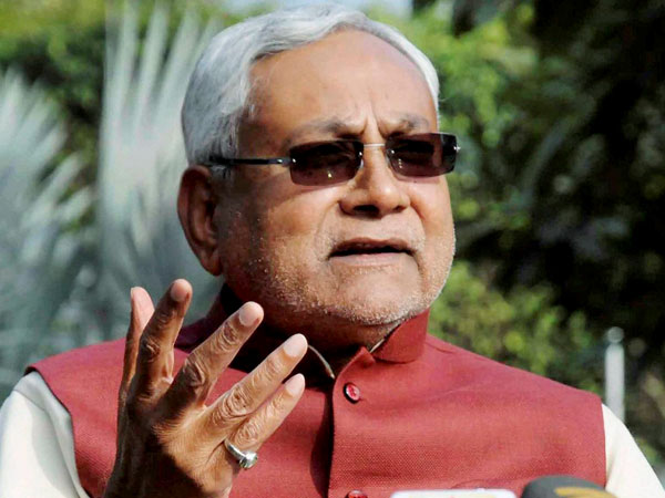 Nitish Kumar launches free WiFi for students