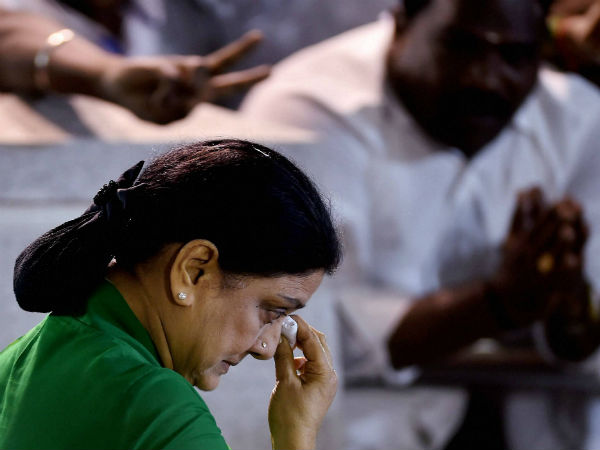 We are not prisoners, say AIADMK MLAs