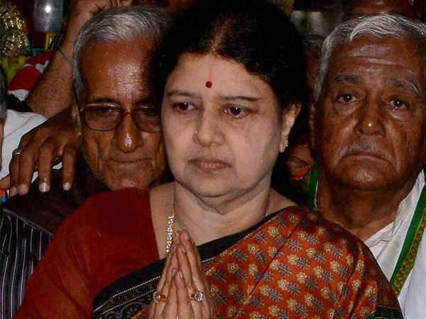 Sasikala to surrender today