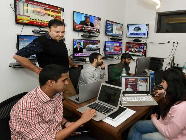 Samajwadi Party President Akhilesh Yadav's war room setup at Janeshwar Mishra Trust office to handle his election campaign for the upcoming assembly polls, in Lucknow. Photo credit: Nand Kumar/PTI