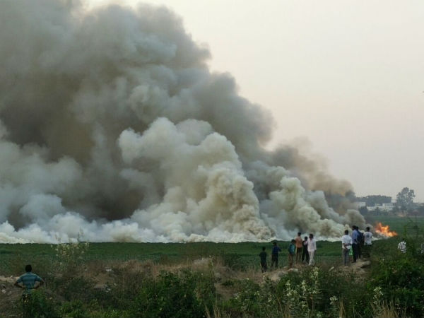 Bellandur Lake on fire. Image courtesy @WeAreHSRLayout