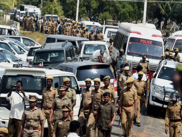 Police force Sasikala supporters to vacate from resort