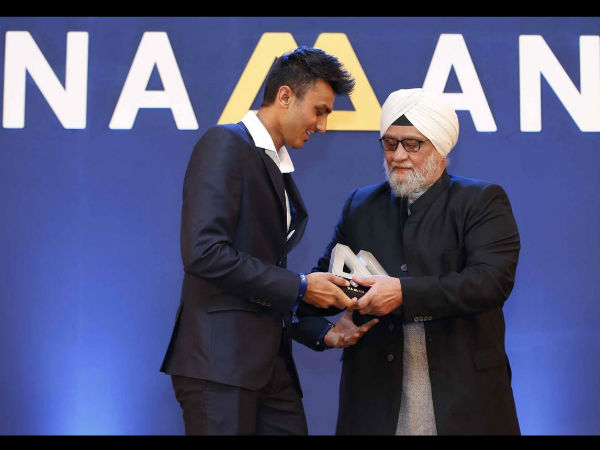 Axar Patel receives Lala Amarnath Award