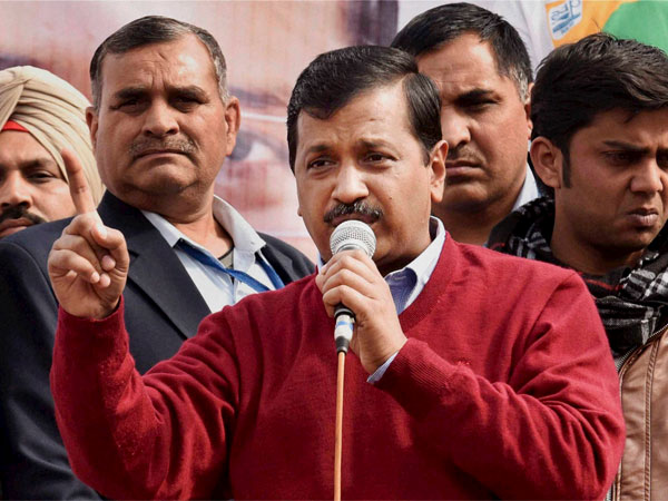 Kejriwal seeks votes for MCD polls