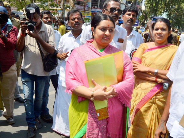 Jaya's niece Deepa declares assets worth Rs 3.05 crore
