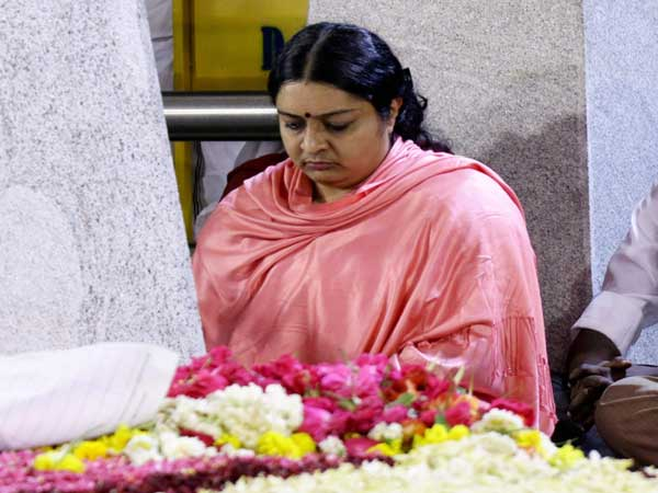 Jayalalithaa's niece says she is being harassed