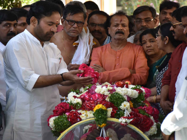 Family members pay last respects to Kuchibhotla's moral remains in Hyderabad.