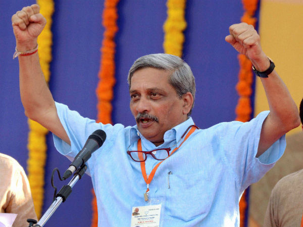 Parrikar resigns as Defence Minister