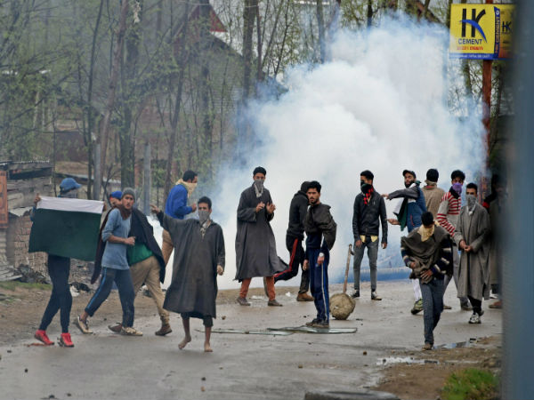 Protest shutdown affects life in Kashmir