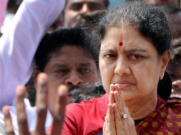 R K Nagar bypoll: Sasikala goes missing from AIADMK Amma campaign