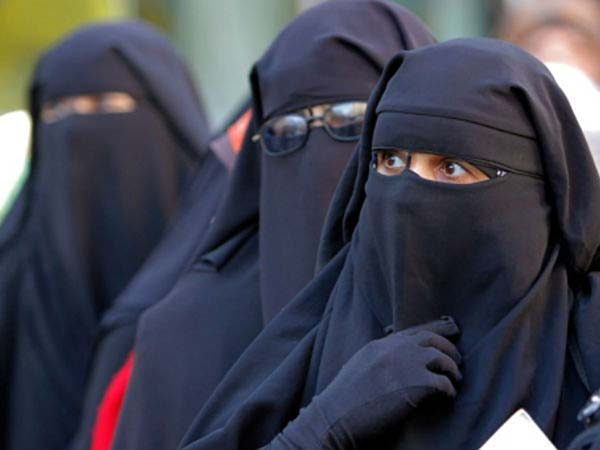 1 million Muslims sign petition opposing triple talaq