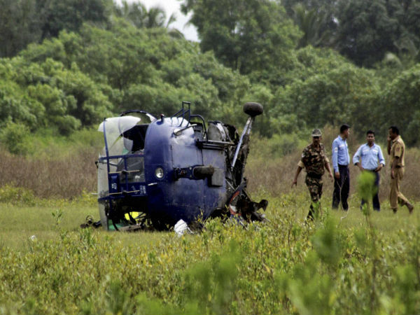IAF helicopter topples in Allahabad, pilots safe