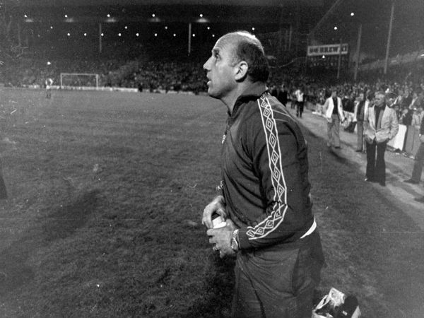 Former Liverpool captain and legend Ronnie Moran passes away at 83