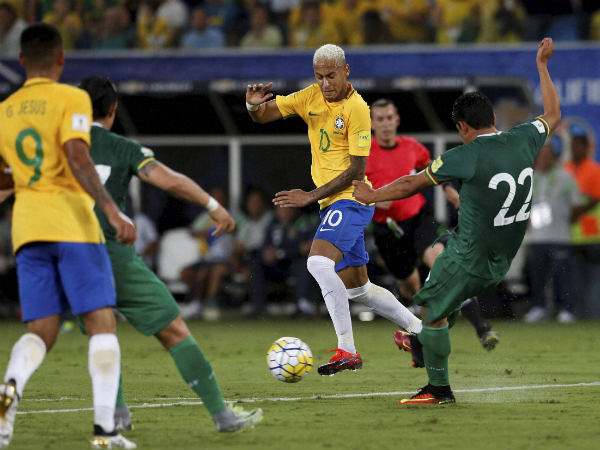 Neymar (centre) in action for Brazil