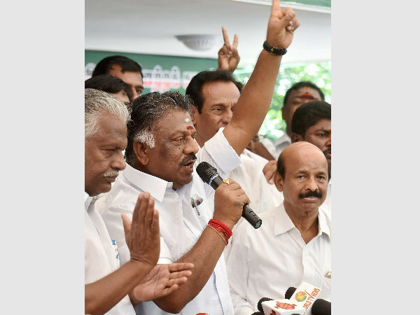 O Panneerselvam camp goes on statewide protest