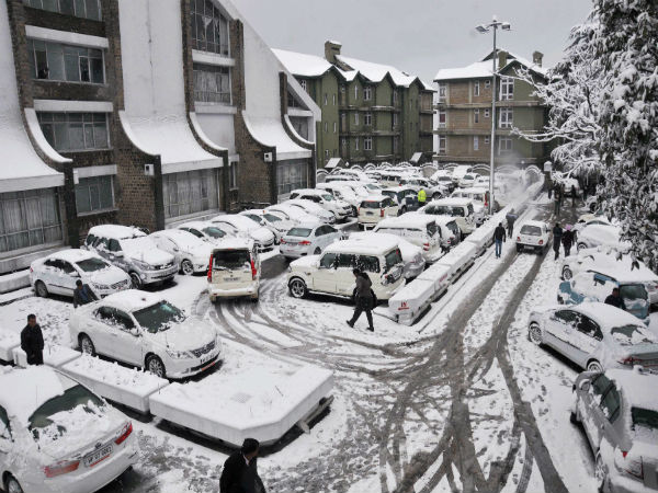 Snowfall in abundance in Kashmir valley