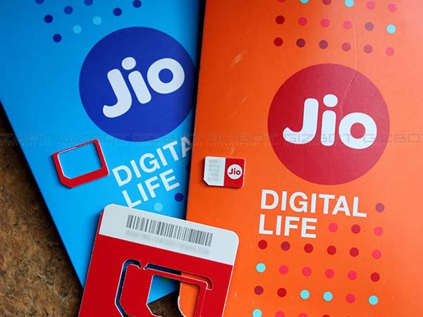 Reliance Jio beats rivals with almost double 4G download speed