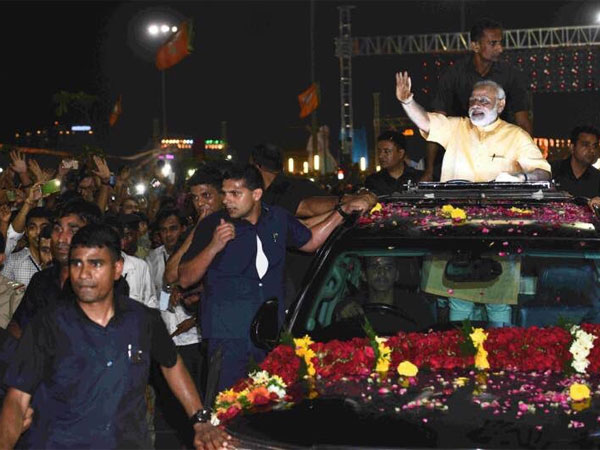 Sand art to welcome Modi in Surat