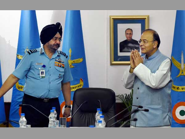 Defence Minister Arun Jaitley with Air Chief Marshal Birender Singh Dhanoa
