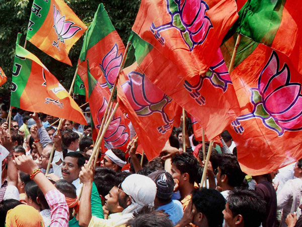 Are you young and articulate? Team Modi hunts for future BJP <i>Baahubalis</i>