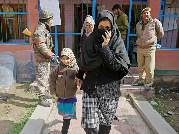 A lady at a polling booth in Srinagar