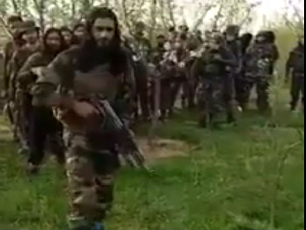New video of militants in Kashmir surfaces on social media