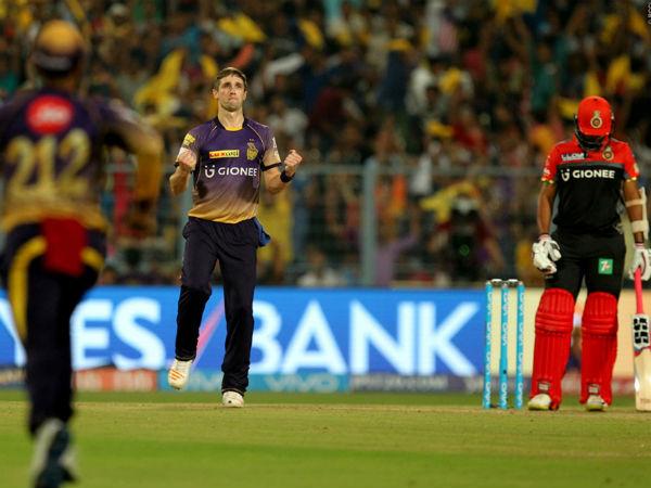 IPL 2017: Chris Woakes doffs hat to Kolkata Knight Riders' best bowling effort