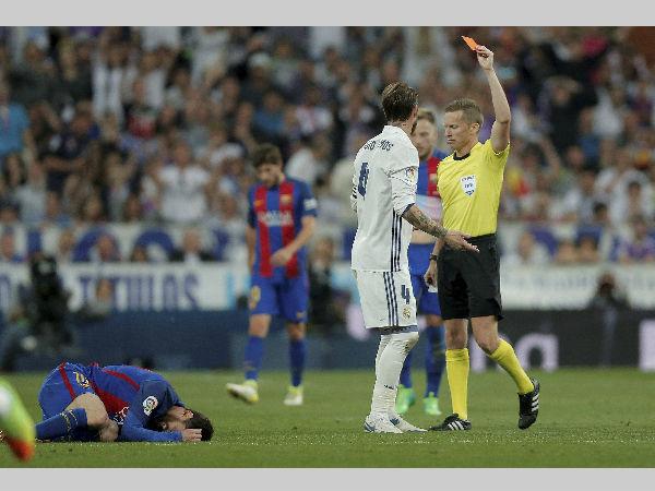 Lionel Messi hits 500th goal as Barcelona win 'El Clasico'