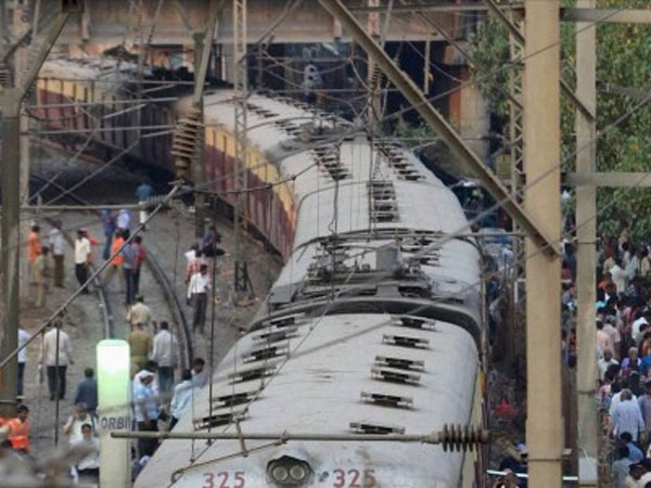 Motorman 'forgets' to halt suburban train at Malad station