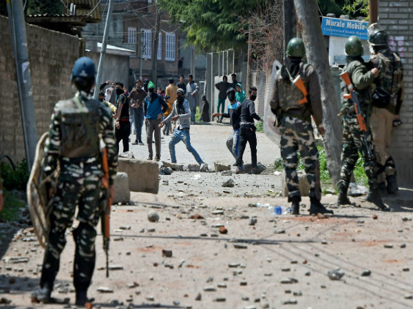 30,000 central troops to be withdrawn from Kashmir
