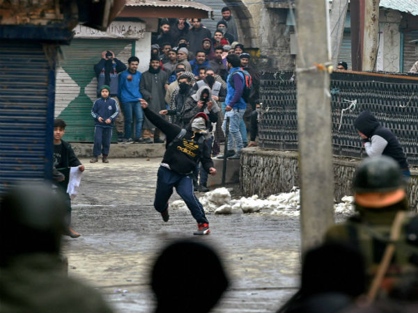 J&K: Over 1000 women police battalion to deal with stone pelters