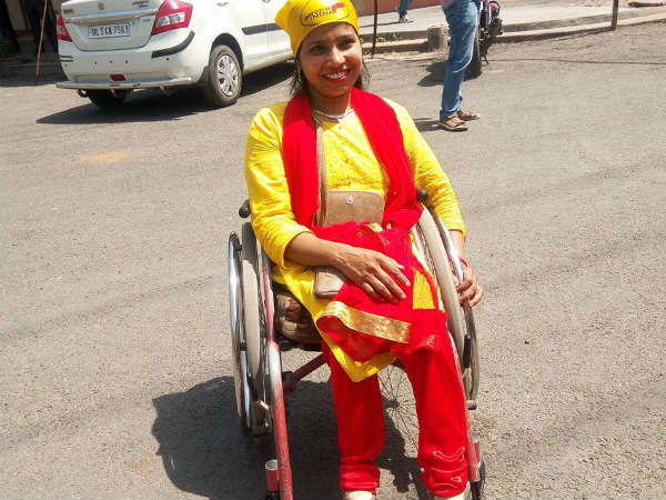 Swaraj India's Suvarna Raj is contesting from Babarpur's 50 E ward in the North MCD. [Pic Courtesy: Facebook]