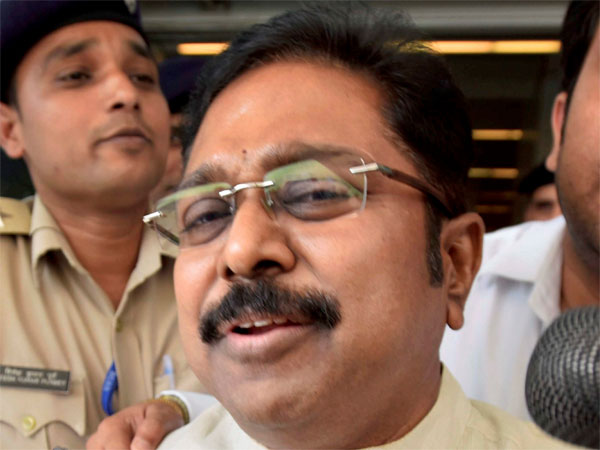 ECI bribery row: Why Delhi crime branch can't crack Dinakaran's calls