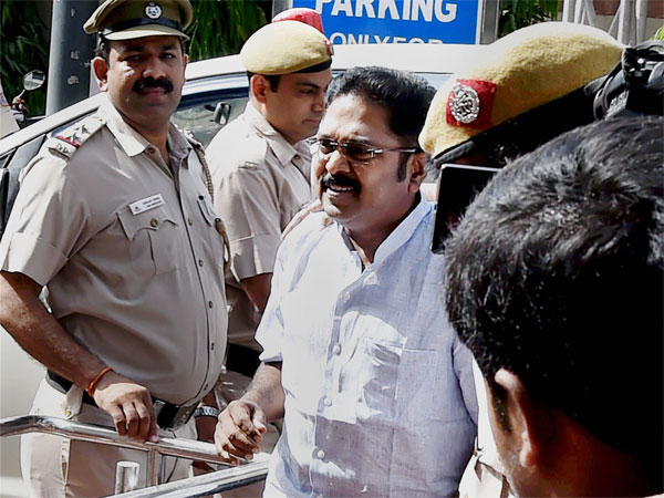CBI likely to take over TTV Dinakaran probe in EC bribery case