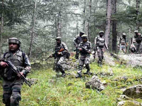 3 soldiers, 2 militants killed in Chowkibal attack