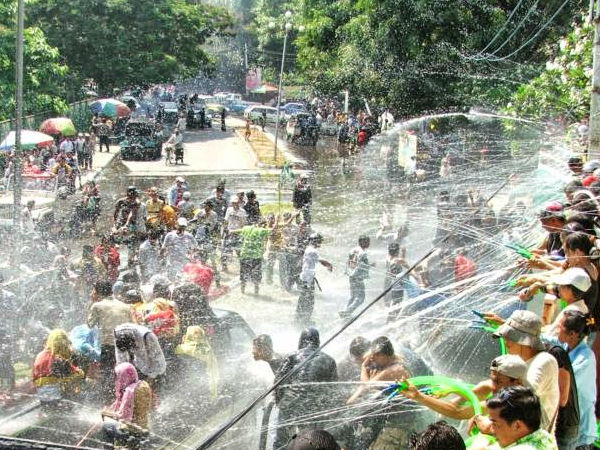 Myanmar : 285 killed during four-day water festival