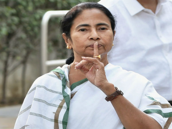 Mamata Banerjee meets Sonia Gandhi, says no discussion on names