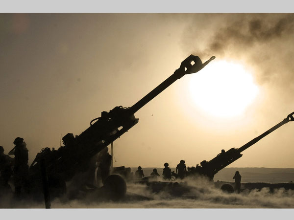 First two M777 howitzers arrive in India