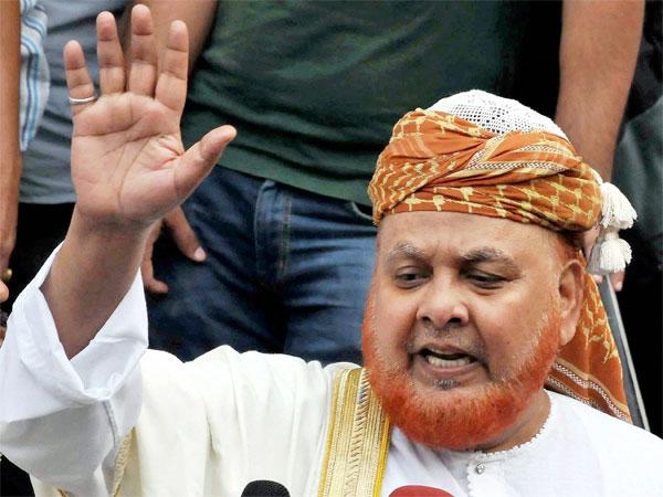 Fatwa imam of Bengal assaulted, blames RSS