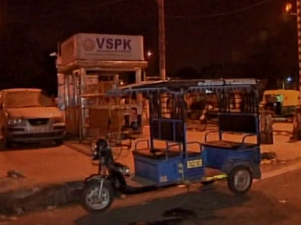 Delhi: E-rickshaw driver beaten to death for opposing public urination