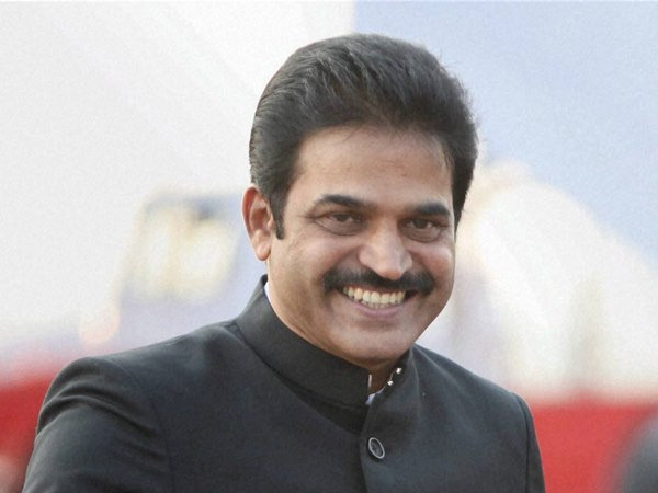 Karnataka Congress In-charge Venugopal busy firefighting family feuds