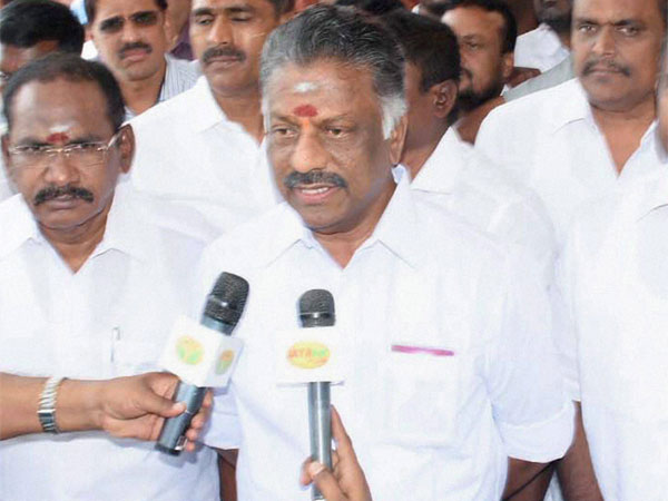 AIADMK symbol row: 32,000 affidavits in support of Panneerselvam camp filed so far