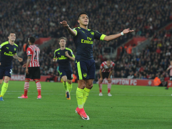 Manchester City hopeful of landing Arsenal star Alexis Sanchez