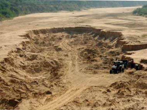 NGT bans mechanised sand mining in UP, orders probe