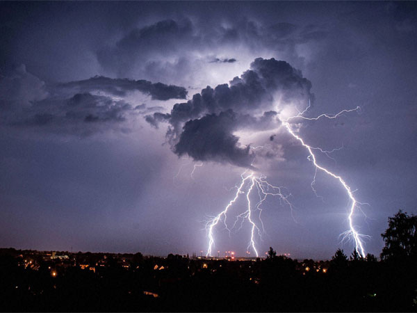 Thunderstorm to hit Delhi NCR 31st May to June 1: IMD