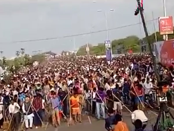 Vadodara enters Guinness book of world records for maximum number of people sweeping single venue
