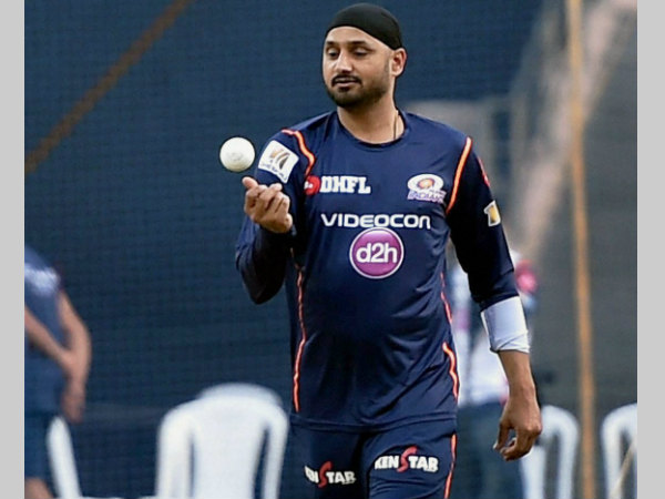 Harbhajan Singh slams Wankhede curator, says bowling machines will soon replace bowlers