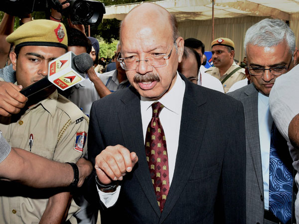 Chief Election Commissioner Nasim Zaidi arrives to attend the all-party meeting convened by the poll watchdog to discuss the reliability of the EVMs -- an issue flagged by opposition parties in New Delhi on Friday. PTI photo