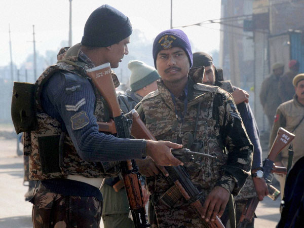 Pathankot on high alert after abandoned bag with army uniforms found